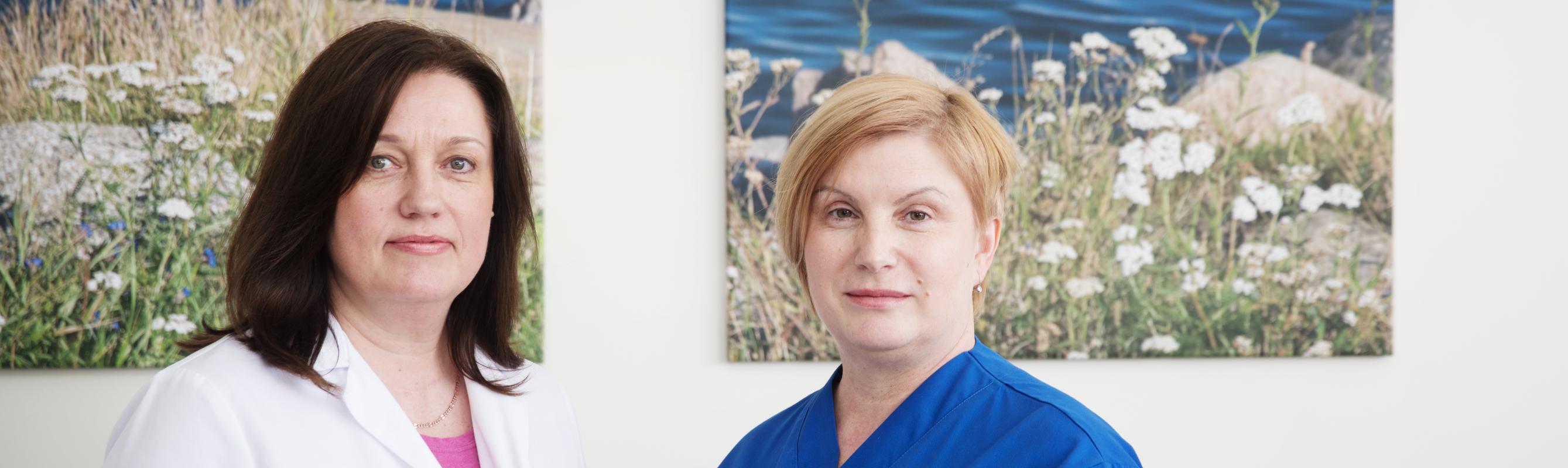 I sisehaiguste osakonna juhataja dr Marianne Laheäär ja õendusjuht Liilia Soroka